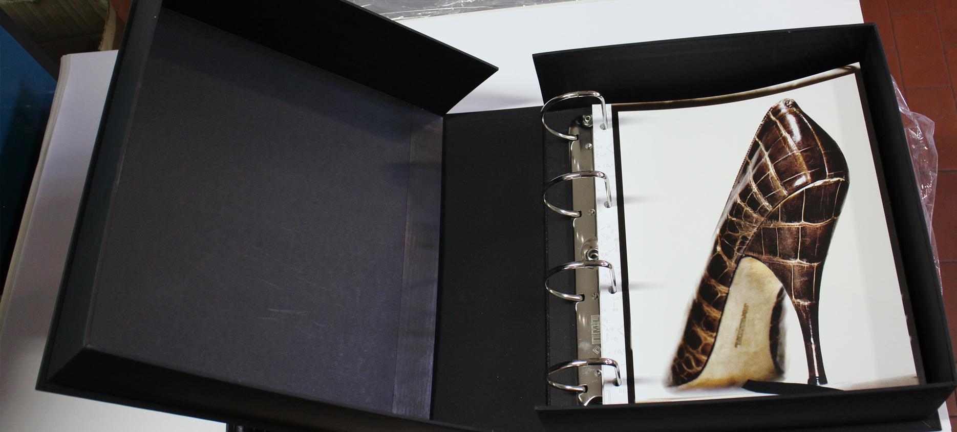 Raccoglitori ad anelli o valigette con manico per cartelle colori tipografica supergrafica